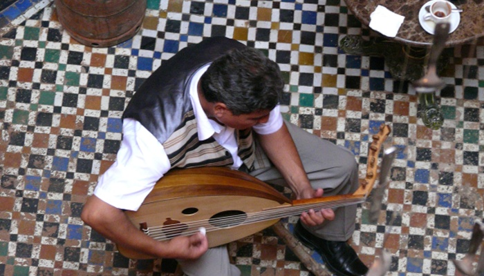 La musica andalusi fue una inversión desde Andalucia hacia Marruecos que hoy perdura.
